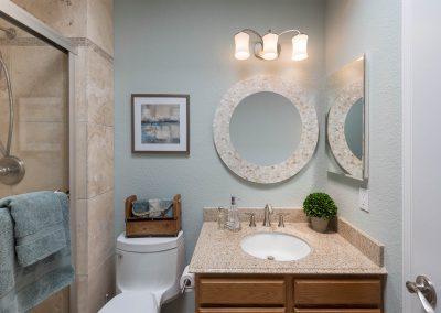 10608 M Bathroom Clear Mirror