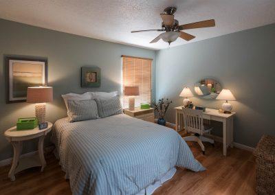 10608 M Bedroom lower lights